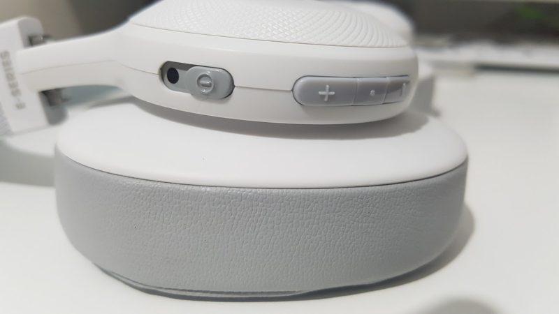 JBL E55BT Kabelloser Over-Ear-Kopfhörer